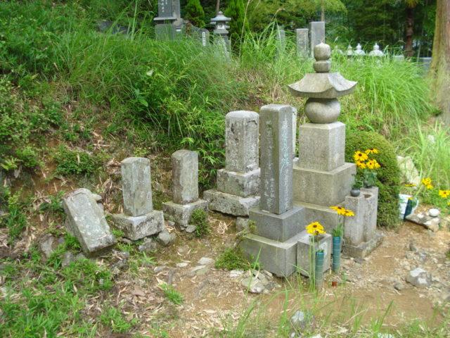 ① 旧墓地のお墓の状態