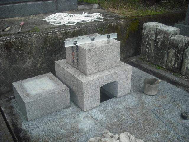 ⑨ 墓石の設置(その1)